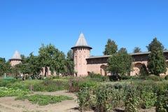 Φαρμακευτικός κήπος στο μοναστήρι του Savior μας και το ST Euthymius στην πόλη του Σούζνταλ, Ρωσία στοκ εικόνα με δικαίωμα ελεύθερης χρήσης