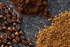 Φασόλια καφέ, επίγειος καφές και στιγμιαίος καφές στοκ φωτογραφίες με δικαίωμα ελεύθερης χρήσης