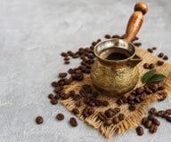 Φασόλια καφέ και Τούρκος στοκ εικόνα με δικαίωμα ελεύθερης χρήσης