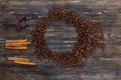 Φασόλια και κανέλα καφέ Στοκ Φωτογραφίες