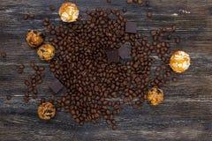Φασόλια και καραμέλες καφέ Στοκ φωτογραφία με δικαίωμα ελεύθερης χρήσης