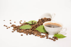 Φασόλια καφέ και καφές Στοκ εικόνες με δικαίωμα ελεύθερης χρήσης