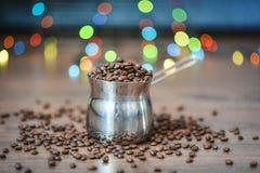 Φασόλια καφέ, μαύρος καφές Στοκ Εικόνες