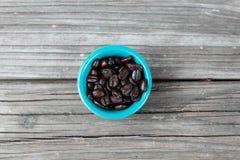Φασόλια καφέ στο ξύλο 2 Στοκ Φωτογραφίες