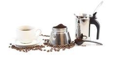 Φασόλια φλιτζανιών του καφέ, διηθητήρων και καφέ Στοκ εικόνες με δικαίωμα ελεύθερης χρήσης