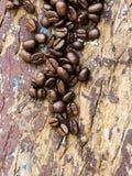 Φασόλι καφέ σε ένα ξύλο Στοκ φωτογραφίες με δικαίωμα ελεύθερης χρήσης