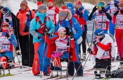 11 Φεβρουαρίου 2017 ετήσιος μαραθώνιος σκι Russialoppet Nikolov Perevoz 2017 φυλών σκι κτημάτων τέχνη-Veretevo Φυλή Paralympic Στοκ φωτογραφία με δικαίωμα ελεύθερης χρήσης