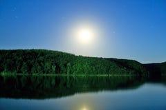 φεγγάρι λιμνών Στοκ Εικόνες