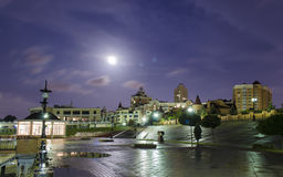 Φεγγάρι μετά από τη βροχή Στοκ φωτογραφίες με δικαίωμα ελεύθερης χρήσης