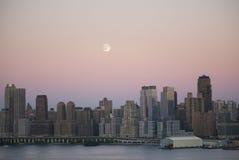 φεγγάρι νέο πέρα από την Υόρκη Στοκ εικόνες με δικαίωμα ελεύθερης χρήσης