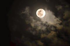 Φεγγάρι τη νύχτα Στοκ εικόνες με δικαίωμα ελεύθερης χρήσης