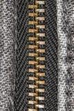 Φερμουάρ μαύρο ακραίο στενό σε επάνω τζιν Στοκ Φωτογραφίες
