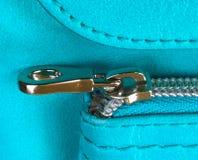 Φερμουάρ στην μπλε τσάντα Στοκ φωτογραφία με δικαίωμα ελεύθερης χρήσης
