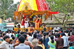 φεστιβάλ Ινδία πλήθους θρησκευτική στοκ εικόνα με δικαίωμα ελεύθερης χρήσης