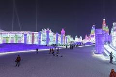 Φεστιβάλ 2018 πάγου του Χάρμπιν - φανταστικά κτήρια πάγου› ½ é™… å † °é› ªèŠ 'και χιονιού å «ˆå°» æ» ¨å, διασκέδαση, νύχτα, ταξίδ Στοκ Εικόνα