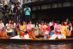Φεστιβάλ ποταμών Phra Roi Tuk baat Στοκ φωτογραφία με δικαίωμα ελεύθερης χρήσης