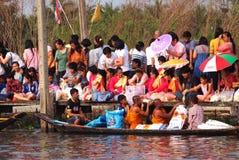 Φεστιβάλ ποταμών Phra Roi Tuk baat Στοκ Εικόνες