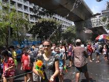 Φεστιβάλ Songkran στο δρόμο Silom στη Μπανγκόκ τον Απρίλιο του 2012 Στοκ Φωτογραφία