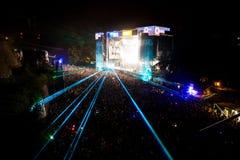 ΦΕΣΤΙΒΑΛ ΜΟΥΣΙΚΗΣ ΕΞΟΔΩΝ - πλήθος μπροστά από τη σκηνή χώρων χορού Στοκ εικόνες με δικαίωμα ελεύθερης χρήσης