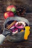 Φθινόπωρο και θερμαμένο κρασί Στοκ εικόνες με δικαίωμα ελεύθερης χρήσης