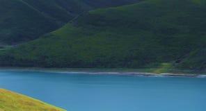 Φθινόπωρο λιμνών Yamdrok στοκ φωτογραφίες