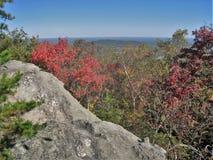 Φθινόπωρο στην ένωση του κρατικού πάρκου βράχου στοκ εικόνες