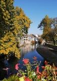 Φθινόπωρο στη λεπτοκαμωμένη Γαλλία του Στρασβούργου στοκ φωτογραφίες
