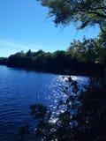 Φθινόπωρο στον ήλιο lake Στοκ φωτογραφίες με δικαίωμα ελεύθερης χρήσης
