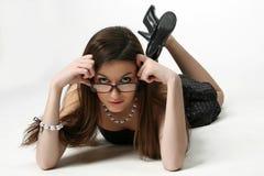 φθορά γυαλιών κοριτσιών Στοκ Φωτογραφίες