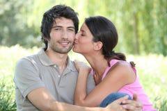Φιλί στο μάγουλο Στοκ εικόνες με δικαίωμα ελεύθερης χρήσης