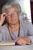 φιλική ανώτερη γυναίκα Στοκ Εικόνες