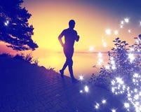 φιλτραρισμένος Άτομο που τρέχει στην παραλία ακτών, αθλητικό μάθημα στοκ εικόνες