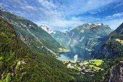 φιορδ geiranger Νορβηγία Άποψη θάλασσας βουνών Στοκ Εικόνα