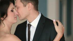 Φιλί της νύφης και του νεόνυμφου φιλμ μικρού μήκους