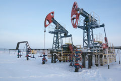 φιλτραρισμένο κόκκινο αντλιών πετρελαίου γρύλων εικόνας Στοκ Εικόνες