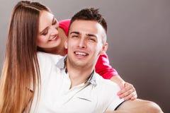 φιλώντας γυναίκα ανδρών ζεύγος ευτυχές Αγάπη στοκ εικόνα
