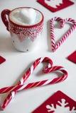 Φλιτζάνι του καφέ με και καραμέλα Χριστουγέννων Στοκ φωτογραφίες με δικαίωμα ελεύθερης χρήσης