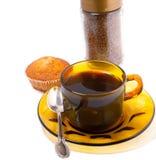 Φλυτζάνια και κέικ καφέ στοκ φωτογραφία