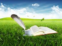φλυτζάνι βιβλίων Στοκ φωτογραφία με δικαίωμα ελεύθερης χρήσης