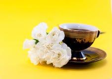 φλυτζάνι καφέ γαρίφαλων στοκ εικόνα