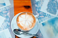 Φλυτζάνι του cappuccino μέγα στοκ εικόνα