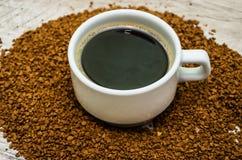 Ένα φλυτζάνι του μαύρου καφέ E στοκ φωτογραφίες