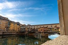 Φλωρεντία Ιταλία - Ponte Vecchio και ποταμός Arno στοκ φωτογραφία