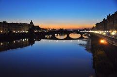 Φλωρεντία τή νύχτα, Ιταλία   Στοκ εικόνες με δικαίωμα ελεύθερης χρήσης