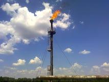 Φλόγα για την καύση του σχετικού αερίου Το τελικό σημείο της πίεσης Στοκ εικόνα με δικαίωμα ελεύθερης χρήσης