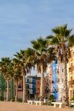 Φοίνικες και πολύχρωμα σπίτια, Villajoyosa, Ισπανία Στοκ φωτογραφίες με δικαίωμα ελεύθερης χρήσης