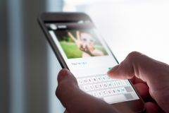 Φοβέρα Cyber, ψάρεμα Διαδικτύου και κακή συμπεριφορά on-line στοκ εικόνα