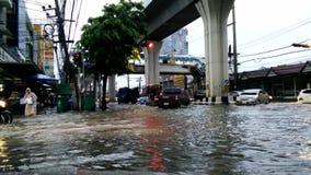 Φοβερή πλημμύρα στα ξημερώματα φιλμ μικρού μήκους