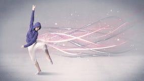 Φοβιτσιάρης αστικός χορευτής με τις καμμένος γραμμές Στοκ Φωτογραφίες