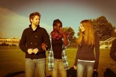 Φοιτητές πανεπιστημίου Relax Στοκ φωτογραφία με δικαίωμα ελεύθερης χρήσης
